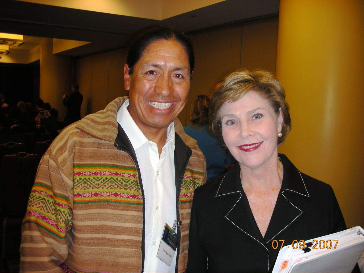 Mrs. Laura Bush and Luis